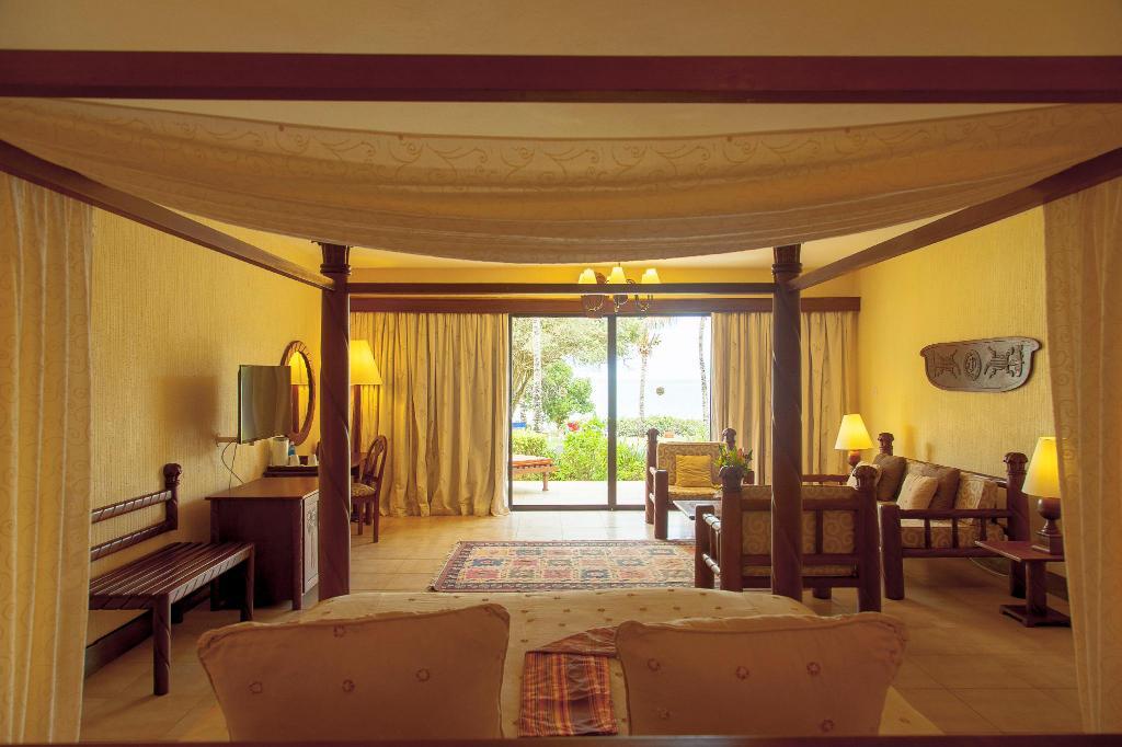 Baobab Beach resort4
